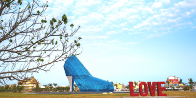 Taiwan-Chiayi-High-Heel-Shaped-Church-800x400-700x350